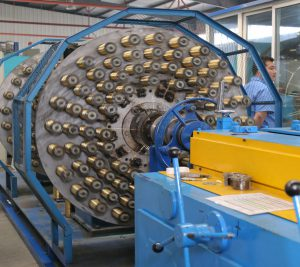 hydraulic-hose-spiral-machine-3